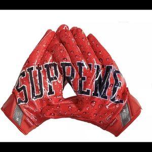 Supreme Nike Vapor Jet 4.0 Red Football Gloves